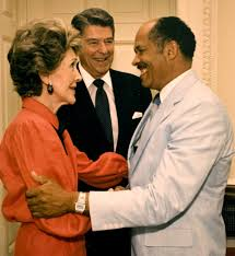 Eugene Allen with President Ronald Reagan and his wife, Nancy (courtesy of BET.com)